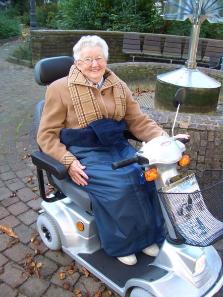 Wickeldecke für Rollstühle und Scooter Orgaterm, Rollstuhldecke aus Nylon/Artic-Fleece, 120x180 cm