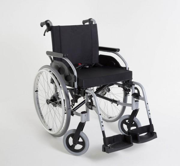 Standard Rollstuhl Action 1 R Invacare, Faltrollstuhl bis 125 kg belastbar